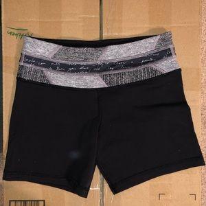 Lulu lemon Shorts Size 4 NWOT